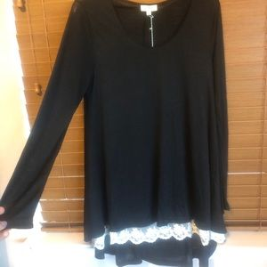Umgee black tunic with lace trim